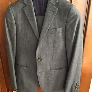 Other - Beautiful grey 3 piece suit, 36 short